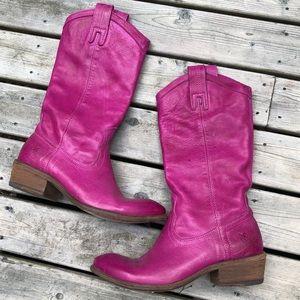 Frye | Magenta Carson Pull-On Boot